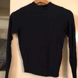 Hollister Stretchy High-Neck Long Sleeve Shirt